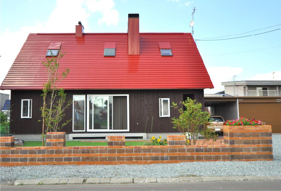 写真:士別市 N様邸 〜薪ストーブのある赤い屋根のおうち〜(1)