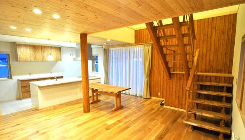 写真:名寄市 H様邸 〜リビング階段のある木のぬくもり溢れるお家〜(1)