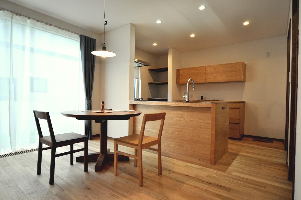 写真:士別市 SG様邸 〜こだわりのオーダーキッチンと薪ストーブのあるナチュラル感いっぱいのお家〜(1)