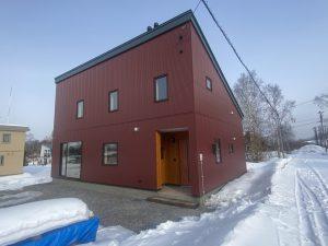 写真:名寄市 KK様邸~羊毛に包まれた家で薪ストーブのある暮らしを楽しむ~(3)