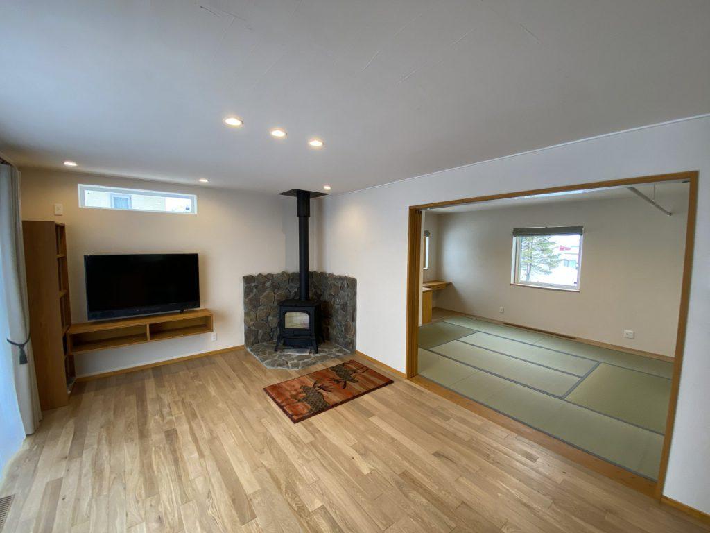 写真:名寄市 KK様邸~羊毛に包まれた家で薪ストーブのある暮らしを楽しむ~(1)
